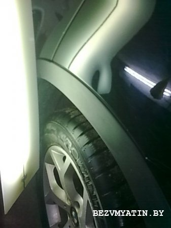 BMW X5 - вмятина на левом заднем крыле