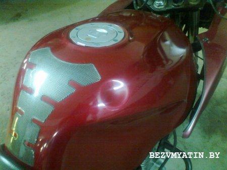 Мотоцикл HONDA - Вмятина на бензобаке