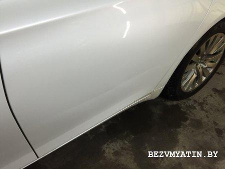 BMW F01 - вмятина на задней левой двери