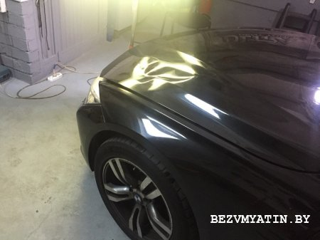 BMW F10 - вмятина на капоте