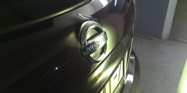 Nissan-Qashqai-вмятина-на-крышке-багажника-после-768×433