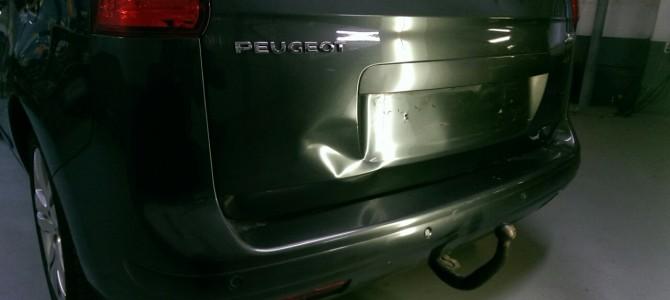PEUGEOT — вмятина на крышке багажника