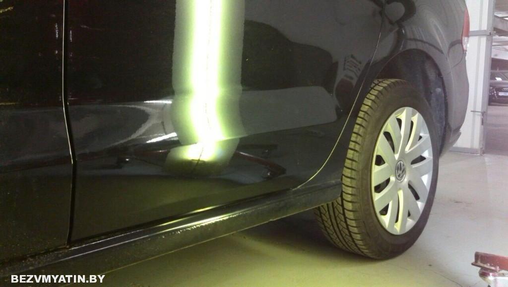 Volkswagen Polo - вмятина на задней правой двери после ремонта
