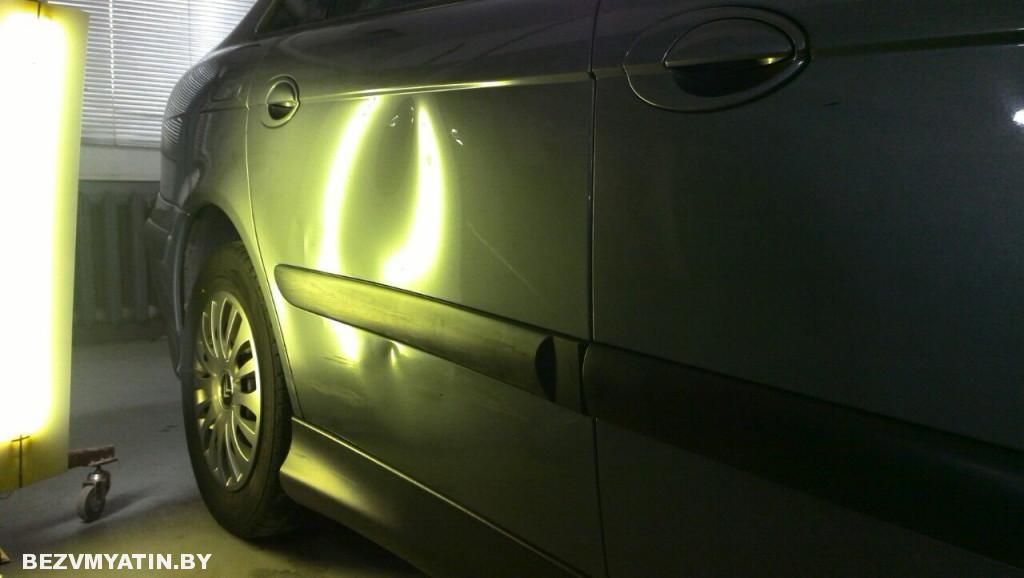 Citroen C5 - вмятина на задней правой двери до ремонта