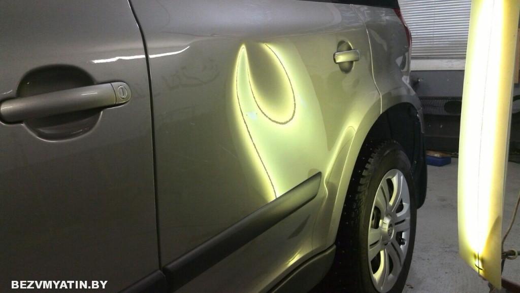 Skoda Yeti - вмятина на задней левой двери до ремонта