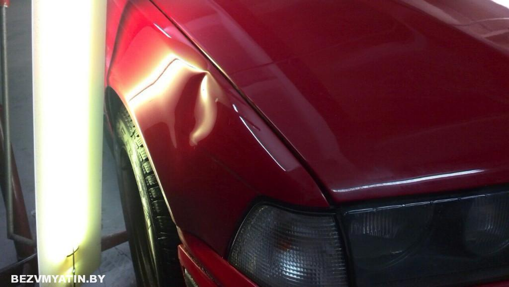 BMW E36 - вмятина на переднем правом крыле до выправления