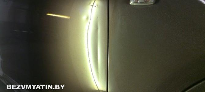 Infiniti FX35 — вмятина на передней правой двери