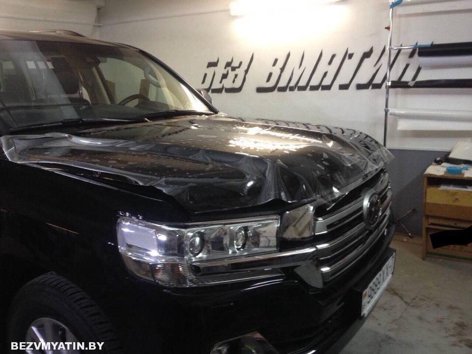 Toyota Land Cruiser 200 оклейка антигравийной пленкой