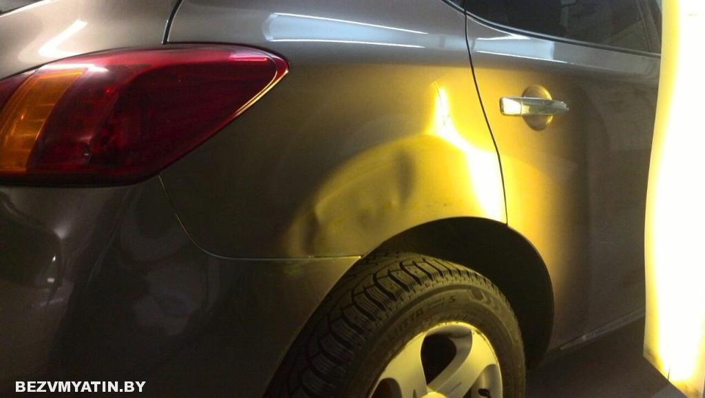 Nissan Murano - вмятина на заднем правом крыле до ремонта