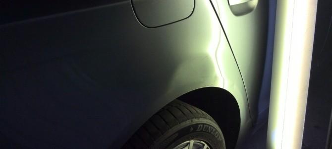 Audi A6 — вмятина на заднем правом крыле