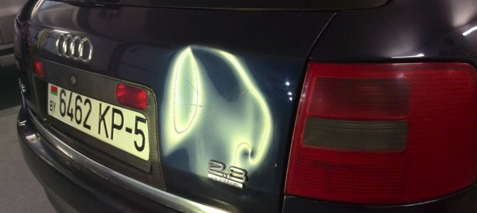 Audi A6 — вмятина на крышке багажника
