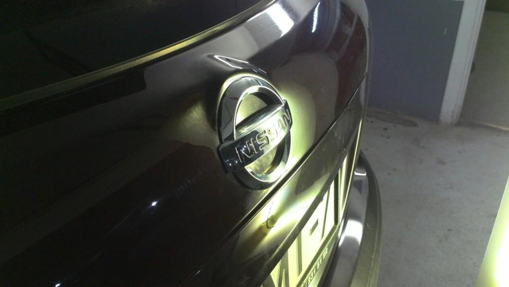 Nissan Qashqai - вмятина на крышке багажника после ремонта