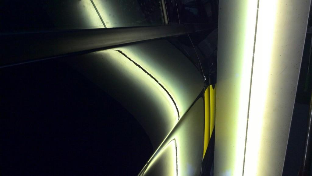 Ford S-Max - вмятина на задней правой двери после ремота