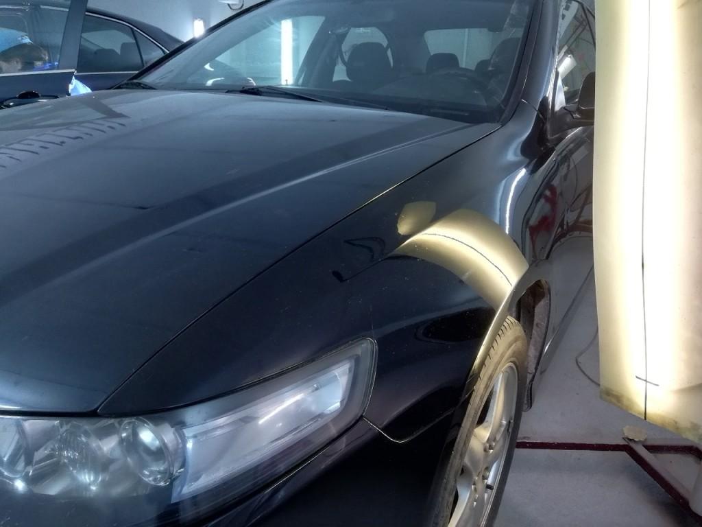 Honda Accord - вмятина на переднем левом крыле после удаления вмятины
