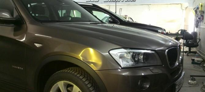 BMW X3 — вмятина на переднем крыле