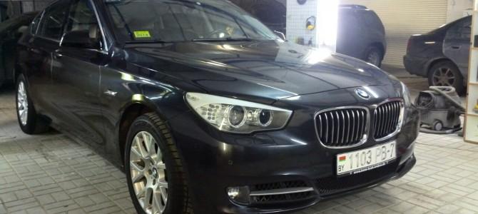BMW GT — вмятина на заднем, правом крыле.