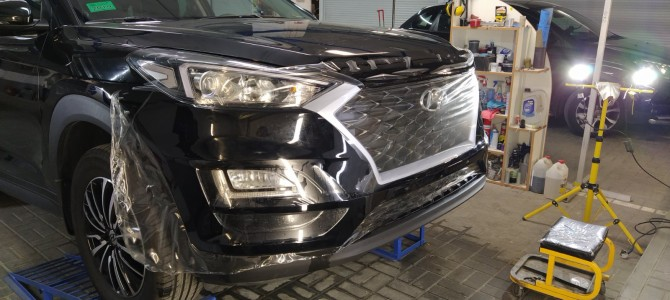 Hyundai Santa Fe — защитная оклейка бампера.